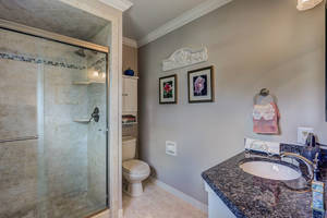 22_21Master_Bathroom_mls.jpg