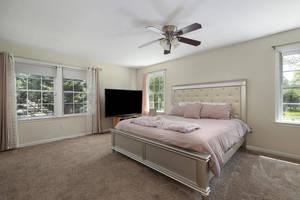 1710 Ramapo Way Scotch Plains-large-017-010-Master Bedroom-1500x1000-72dpi.jpg