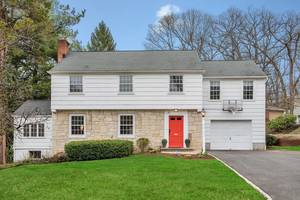 20 Midland Terrace Summit, NJ:$824,000