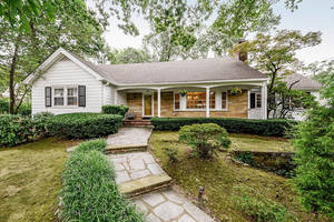 10 Gloucester Road, Summit NJ: $1,375,000