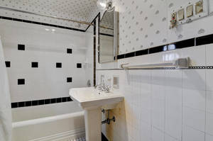 14 Hampton Rd Cranford NJ-large-025-29-Bathroom-1500x997-72dpi - Copy (2).jpg