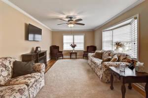 10 Harvey Court Clark NJ 07066-large-007-13-Living Room-1498x1000-72dpi.jpg