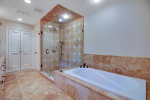 020-288202-EDIT master bath_6908610.jpg