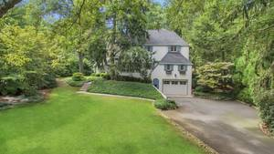 78 Essex Road, Summit, NJ: $1,950,000