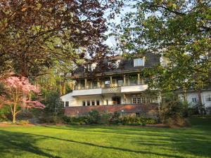 18 Badeau Avenue, Summit, NJ: $1,655,000