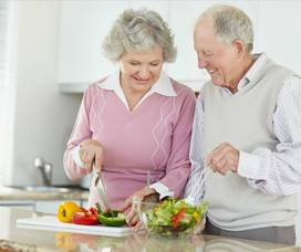 Carousel_image_9ff4e425b3be793c5c8f_seniors_cooking