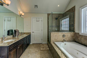 32 Commonwealth Road-large-027-028-Master Bathroom-1500x1000-72dpi.jpg