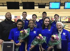 Carousel_image_a14a0abe16d2ecfe0c79_senior_day_bowling_2018