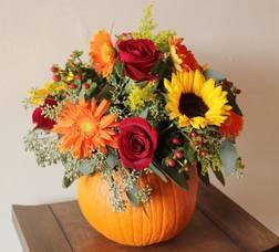 Carousel_image_a3070ea7c1725c1c1ee5_fall_floral_arrangement