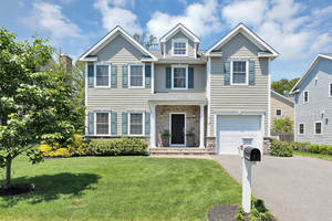 37 Plain Street, Summit, NJ: $930,000