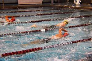 Carousel_image_a706f79d696fa66e7e6b_morris_knolls_swimming