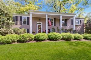 20 Little Wolf Road, Summit, NJ:  $889,000