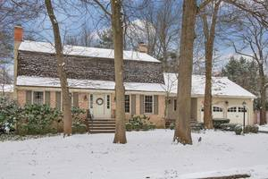 10 Carleen Court, Summit, NJ: $1,150,000