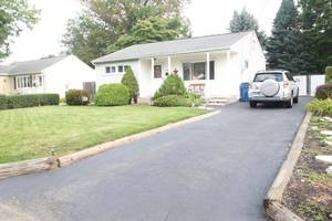 3237 Banta Road South Plainfield