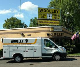 Carousel_image_a8b922938a27b4c9dc41_woolley_plumbing_truck