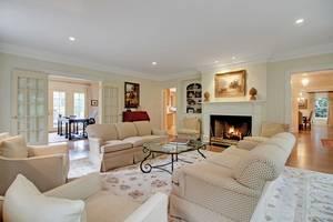 004-288202-053-288202-EDIT living room 2_6908620_6912504.jpg