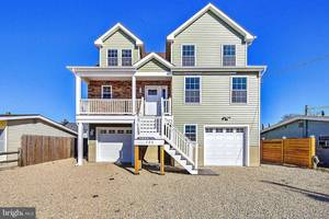 120 Lawrence Dr. Manahawkin, NJ 08050