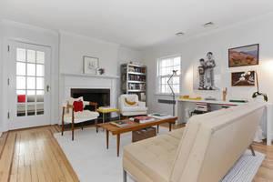 ed1888c9-703f-f114-50e4-9652e8e95fd3_livingroom.jpg