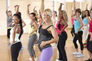 Carousel_image_ac9f50caed1c3b872885_zumba_-_smiling_women_-_obliques