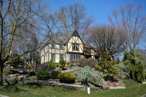 Stunning Mountainside, NJ Home For Sale
