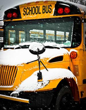 Carousel_image_afc5533d7b780d6d68a6_school_bus-_snow-small