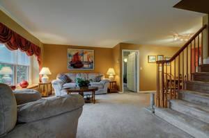 5 Schmidt Ln Clark NJ 07066-large-009-036-Living Room-1500x997-72dpi - Copy.jpg