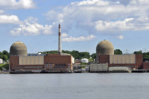 Carousel_image_b2dc75e0eff83b0bf1f2_3ffc5dd2604589cd66cf_indian_point_nuclear_power_plant