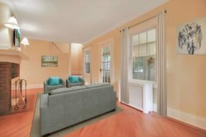 04 - Living Room (2 of 2).jpg