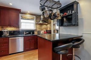 11_OaklawnRd_kitchen 4_web.jpg