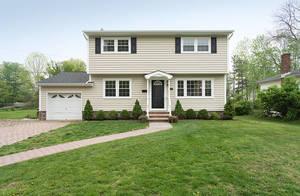 59 Radcliffe Drive, New Providence NJ: $569,900