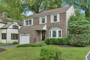 68 Canoe Brook Parkway, Summit, NJ: $640,000