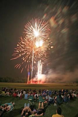 Carousel_image_c3edddbb5b1818a563fd_fireworks_copy__1_