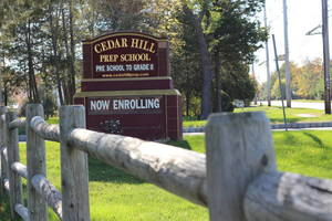 Carousel_image_c3f6c39b7f082c6daeac_ab33b1f139e2bddb9808_cedar_hill_prep_sign
