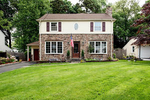 35 Fairview Avenue, Summit NJ: $1,075,000