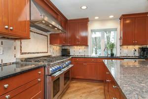 51_GreenbriarDr_kitchen 4_web.jpg