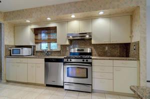 76 White Pl Clark NJ 07066 USA-large-015-026-Kitchen  Dining Room-1500x997-72dpi.jpg