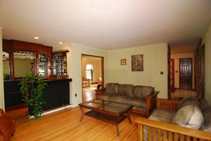 1-4-17 057another view of family room and wet bar.JPG