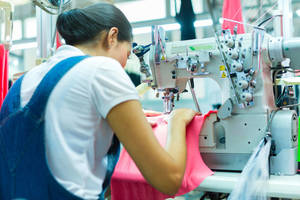 Carousel_image_ca537d3f5197f78ecbd9_garment_worker_orig