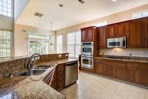 014_Kitchen.jpg