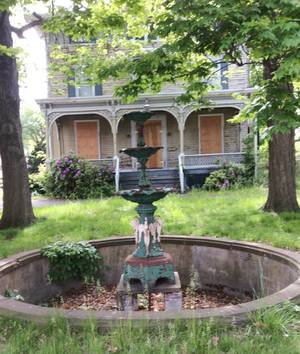 Carousel image cba0d7047cf273677da3 sompixdilapidatedhousing  1