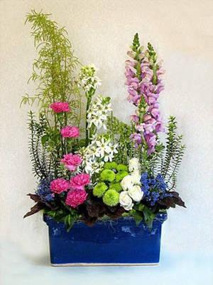Winter Floral Arrangement Class