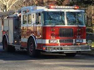 Carousel image ccc308fcbe6f0c639602 south orange fire truck