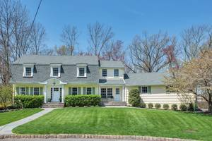 11 Carleen Court, Summit, NJ: $1,250,000