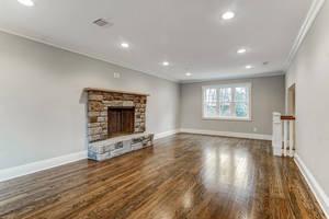 20 Living Room.jpg