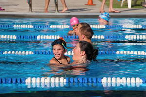 Carousel_image_d315ae42b5a040682a13_edit_young_female_swimmer_with_catcher