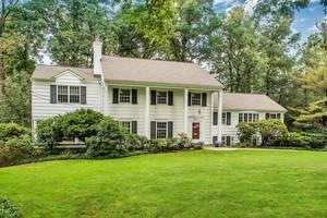 33 Greenbriar Drive, Summit, NJ: $1,495.000
