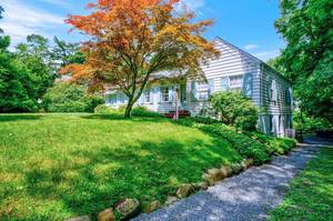 11 Hobart Avenue Summit, NJ:$999,999