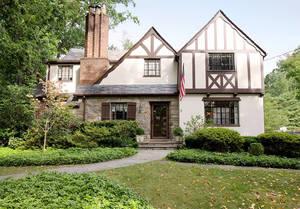 3 Colony Drive, Summit NJ: $1,550,000