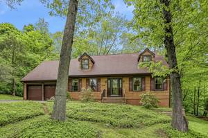 UNDER CONTRACT:  Lovely 3BR Sparta Mountain Home