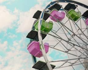 Carousel image d91f1e0f4e6af01a2c03 carnival 2456901 1920